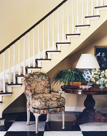 The Fabulous Foyer: Pretty and Classic